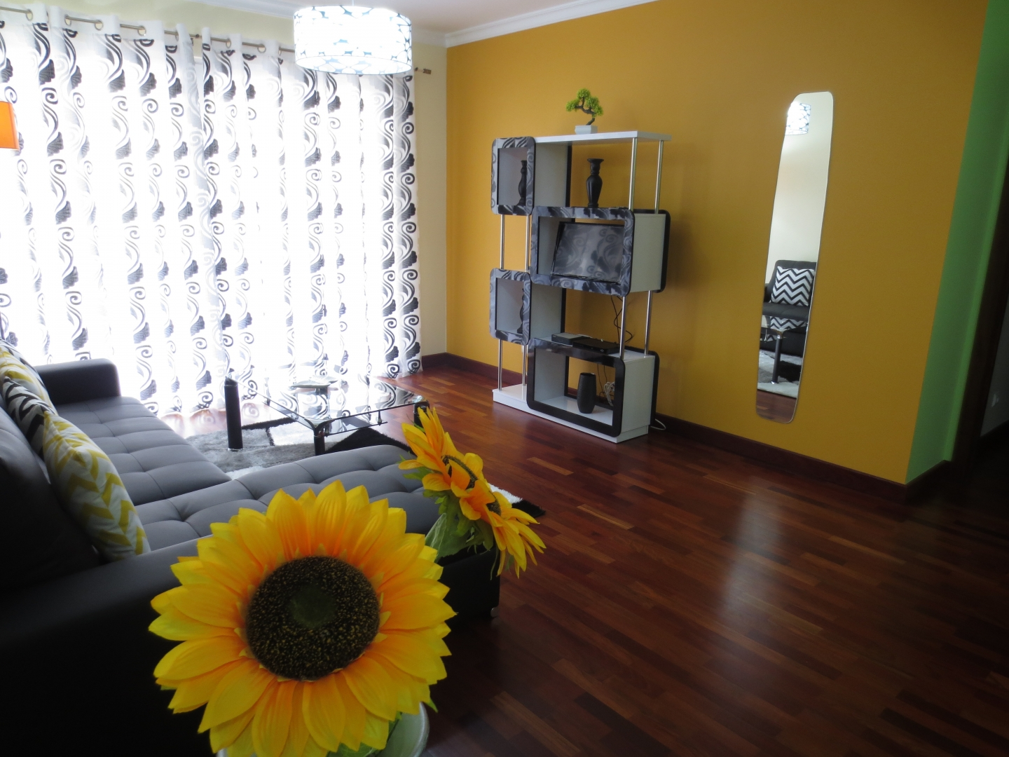 Sunflower Apartment